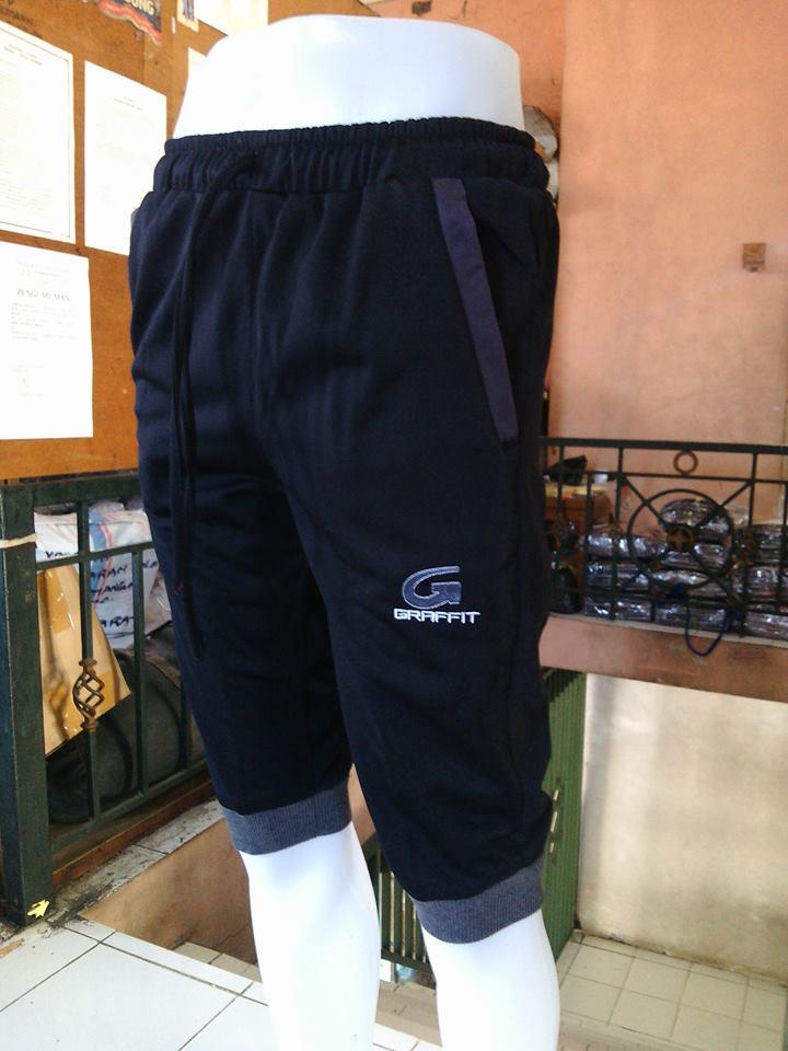 Selain itu kami juga menerima pembuatan baju olahraga dengan desain sendiri  sesuai pesanan Anda. Yang perlu Anda lakukan hanya mengirim e-mail 5b20616667